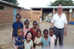 21 I bambini delle famiglie dell'allevamento delle galline ovaiole