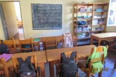 Sala studio dei più grandi con la scritta alla lavagna